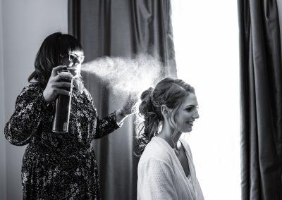 wedding-photo-bride-getting-ready